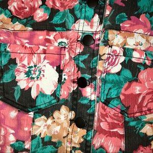 Forever 21 Other - Forever 21 Flower Print Vest